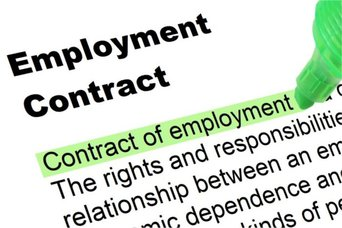 Employment Contract - CC BY-SA 3.0 Nick Youngson http://nyphotographic.com/