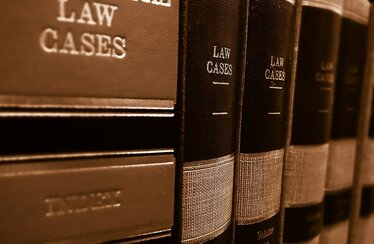 Law case books to defend an injury claim